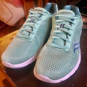 Saucony  219 Women's Grid Ideal running Shoe